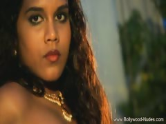 dreamgirl-bollywood-she-dances