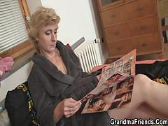 two-deliverymen-bang-lonely-mature