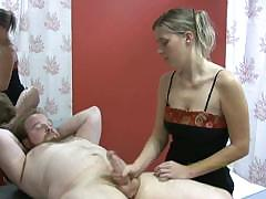 masseuse-is-focused-in-masturbating-her-client-for-extra