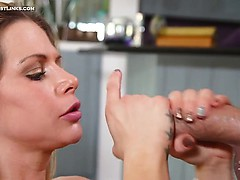 Skilled blonde milf Rachel Roxxx blows that cock fast!...