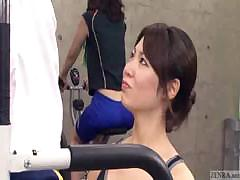 japanese-trainer-gets-erection-at-the-gym