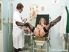 Skinny MILF pussy gyn exam by kinky doctor