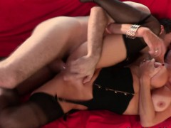 busty-milf-veronica-avluv-pounded-roughly
