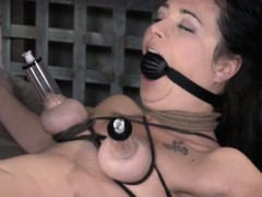 tt-sub-getting-her-pussy-clamped