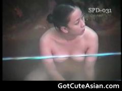 horny-japanese-ladies-bathing-part2
