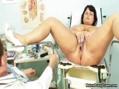 fat-mature-mom-spreads-her-legs-and-gets-part6