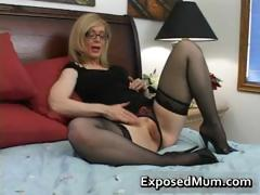 blond-mum-in-glasses-licking-hard-part2