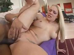 Sexy blonde Heidi Mayne gets fucked hard by Justin Long